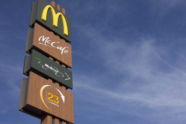 Buono spesa di 50 euro da McDonald's, ma è bufala
