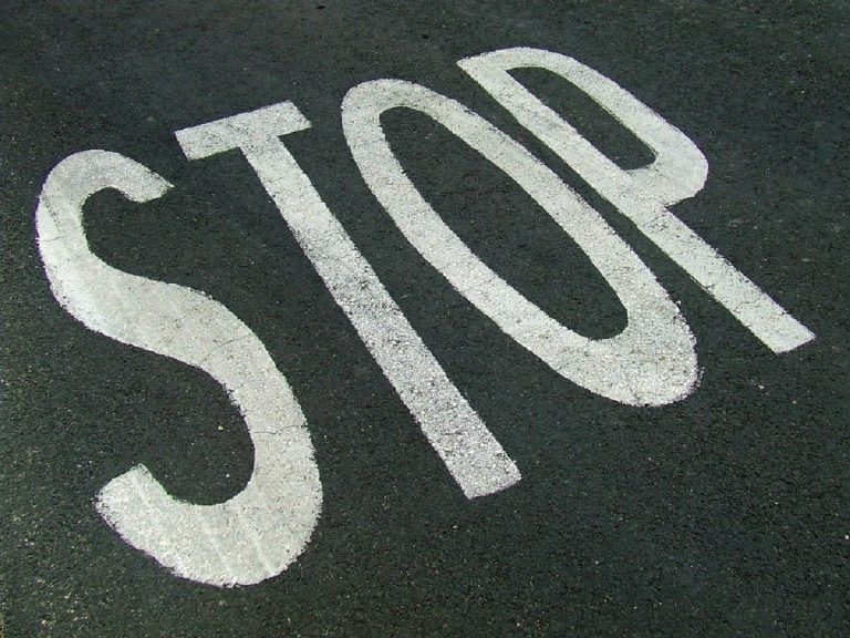 stop 768x576