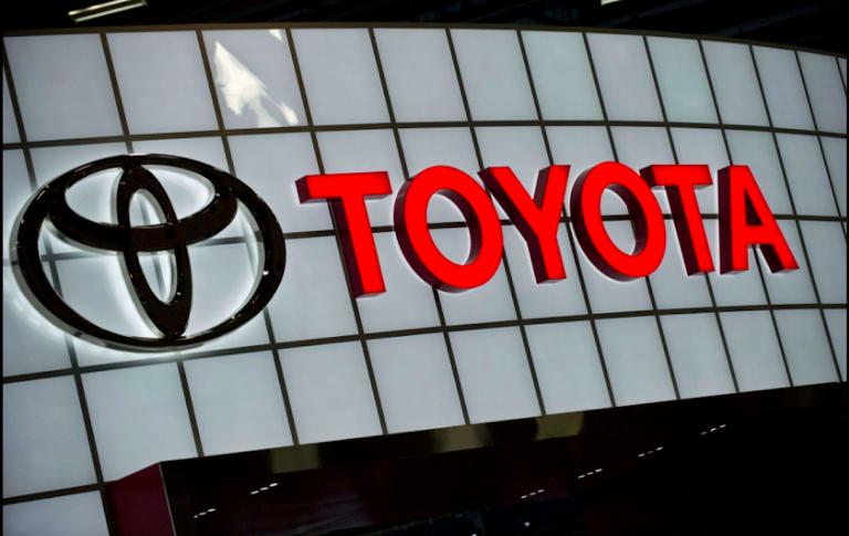 Toyota ritira auto per problemi all'airbag