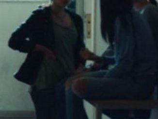 """Gang bulle picchia una ragazza: """"Lasciata per colpa tua"""""""