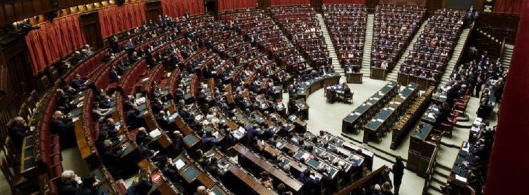 Approvato il decreto genova rissa sfiorata tra pd e fdi for Deputati pd