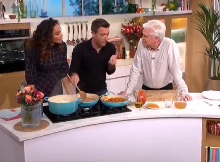 Chef italiano insulta inglese che mette la panna acida nel ragù