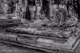 decorazione tomba monumentale milano