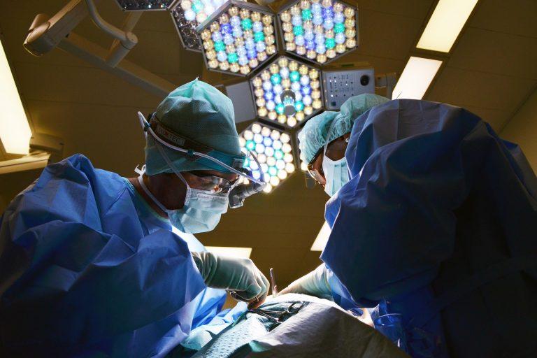 Bimba con tumore al cervello si salva