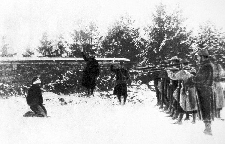 Esecuzione di un disertore dutante la Prima guerra mondiale