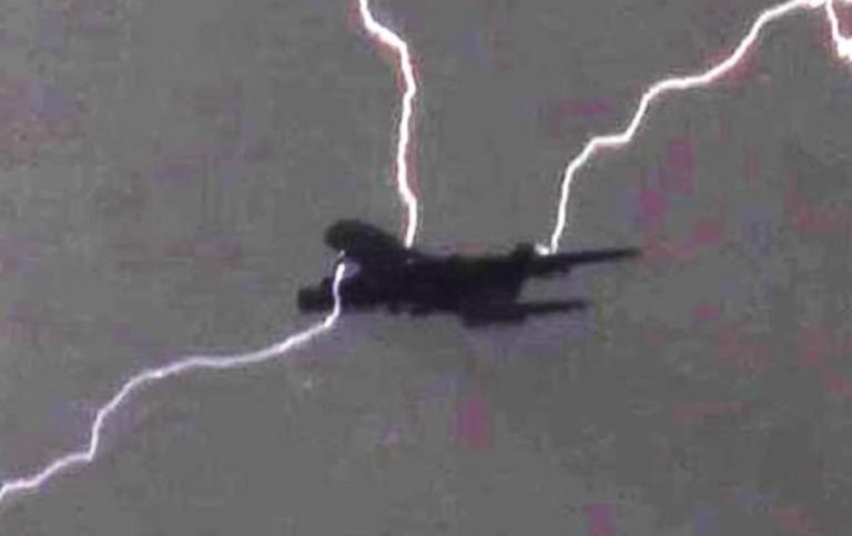 Fulmine aereo Cagliari Roma