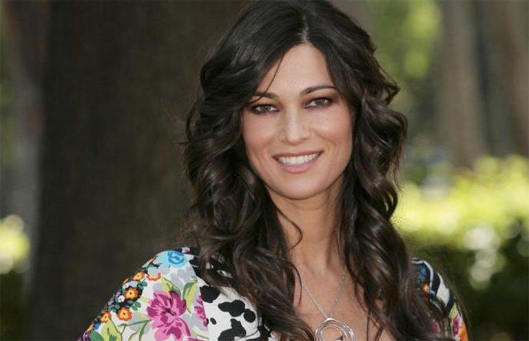 Manuela Arcuri gaffe a Vieni da Me: