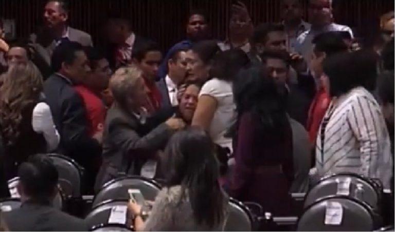 Messico, uccisa figlia di una deputata: lo scopre in aula