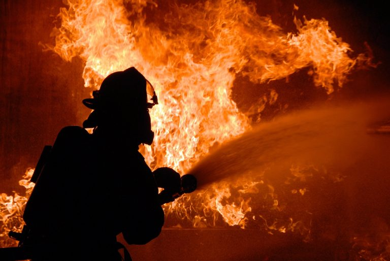 Napoli incendio galleria