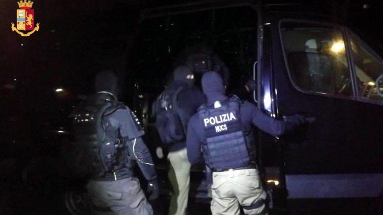 Polizia sventa attentato a Nuoro, Sardegna