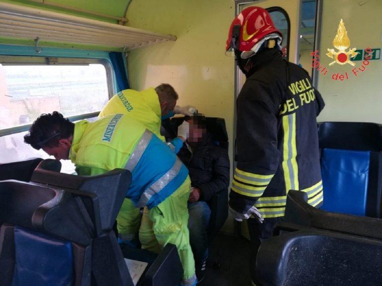 Treno investito da una tromba d'aria a Crotone