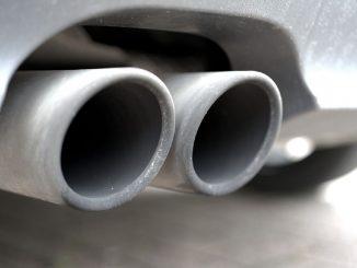 Fumo bianco dalla marmitta auto diesel: significato e cause