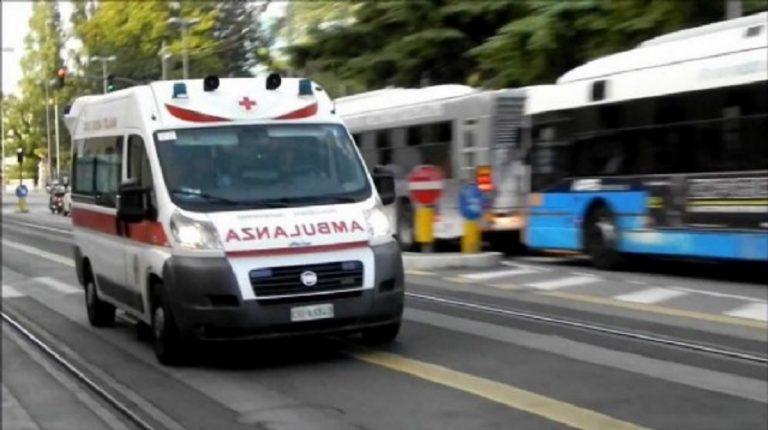 alberto finisce in ambulanza aiutooo 768x430