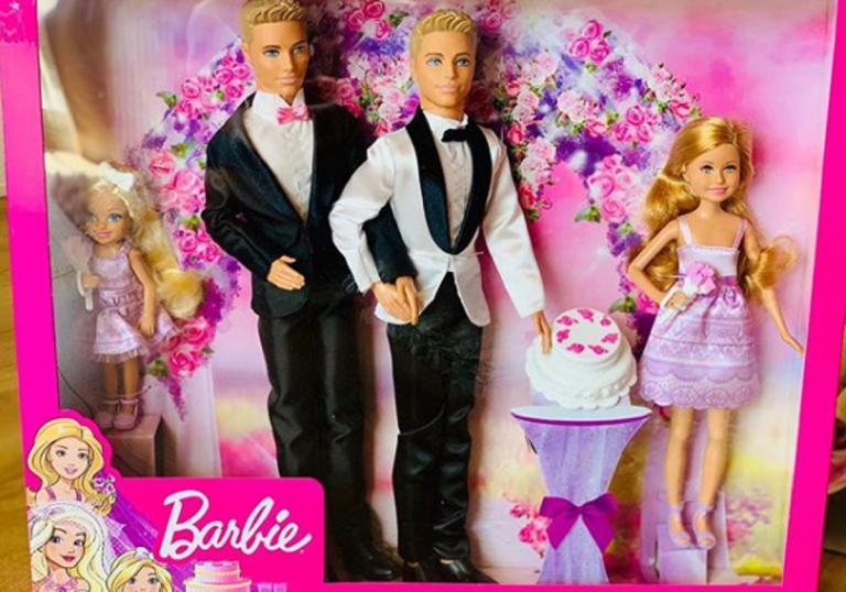 Barbie e Ken arcobaleno, la novità gay friendly
