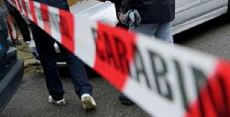 Travolta da un cancello, morta donna di 60 anni