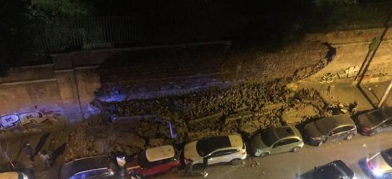 crollo muro roma