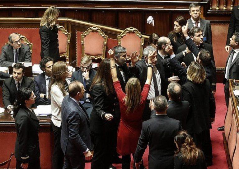 Manovra, il Senato approva: opposizioni in rivolta