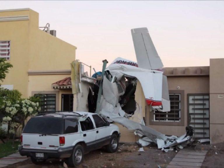 Messico, aereo precipita su una casa: quattro morti