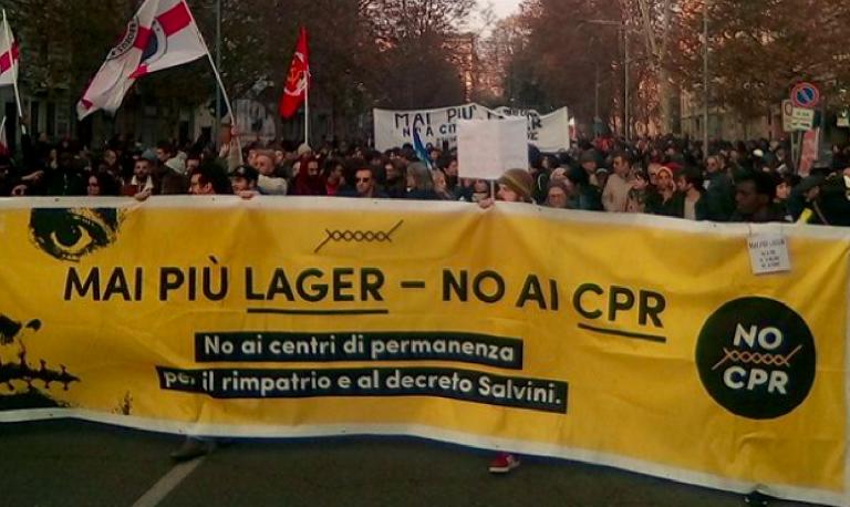 Milano protesta contro Salvini