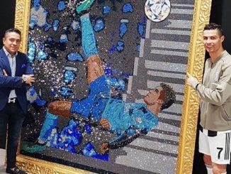 Ronaldo, la rovesciata alla Juve in un quadra di swarowski