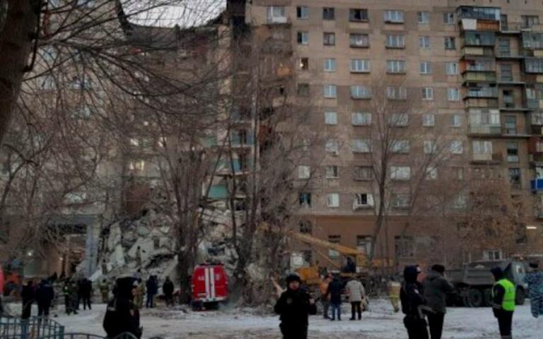 Russia, esplosione in condominio