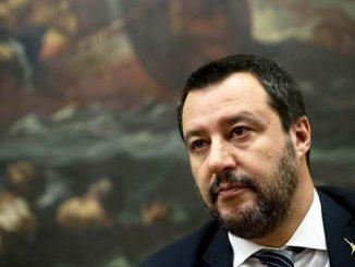 Terremoto in Sicilia, Salvini replica alle accuse del selfie