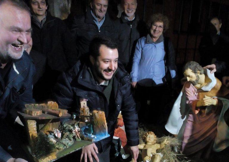 """Salvini, """"Chi non porta Gesù a scuola non è un educatore"""""""