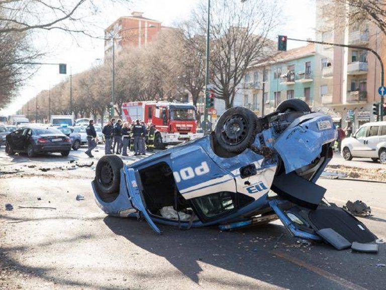 Incididente a Torino: auto della Polizia si scontra con quella di tre giocatori della primavera Juve