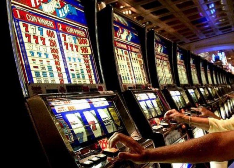Gioco d'azzardo, gli italiani spendono fino a 101 miliardi