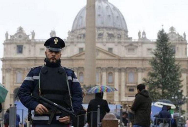 """""""Bombe nelle chiese"""", arrestato 20 enne somalo dell'Isis"""