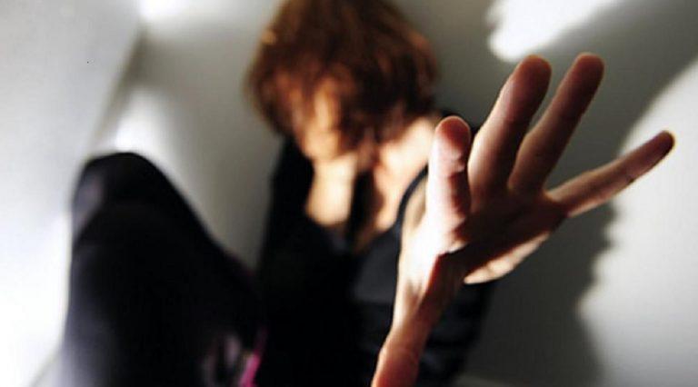 Modena, donna denuncia violenza