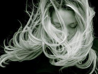 Come lavare i capelli fini senza rovinarli