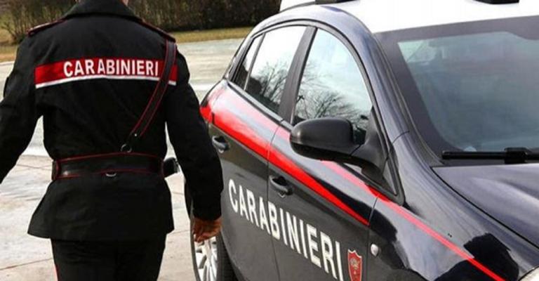 Perugia, donna morta in casa con un coltello nella schiena