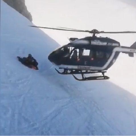 chamonix elicottero manovra 01 478x478
