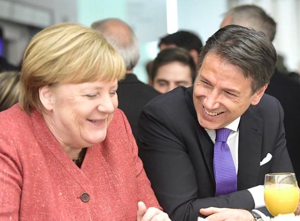 Conte e Merkel a Davos