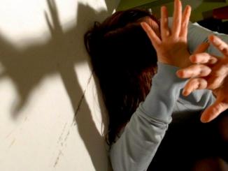 Fiumicino, violenta la nipote e la mette incinta