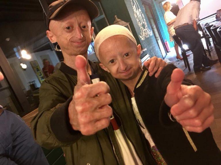 La lotta contro i bulli dei fratelli malati di progeria