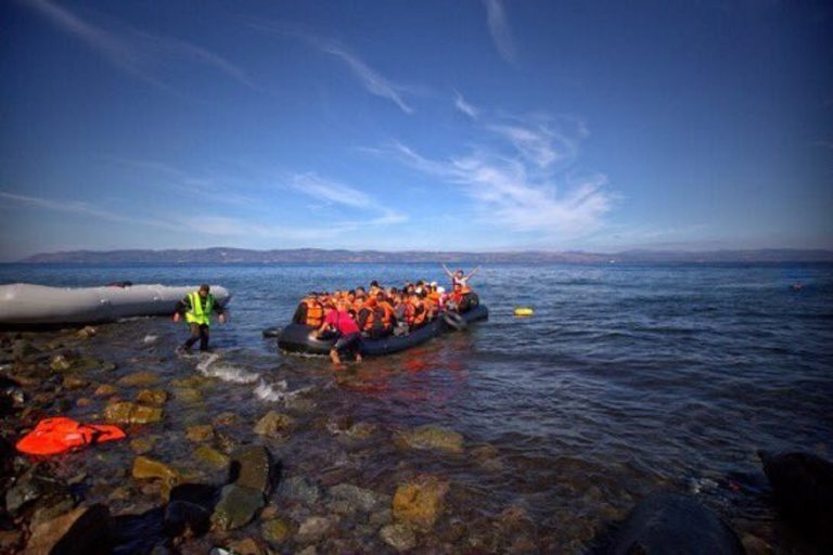 Lampedusa, lo sbarco di 67 migranti