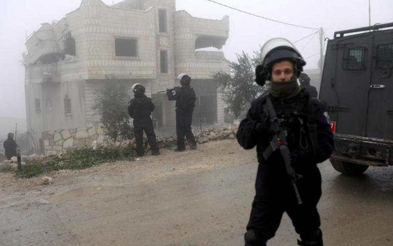 Israele attacca obiettivi iraniani in Siria