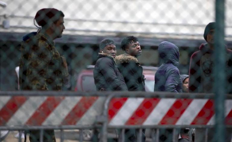 Migranti, trasferimenti al Cara di Castelnuovo di Porto