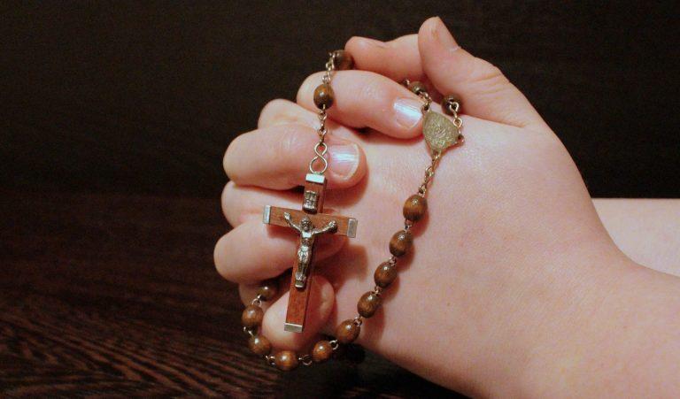 prete-rosario-diretta-facebook