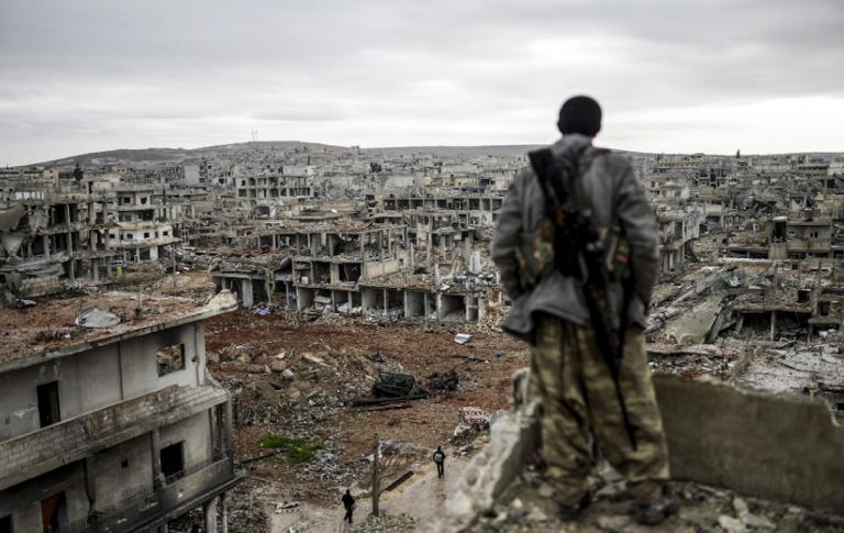 Siria, 600 corpi in una fossa comune a Raqqa