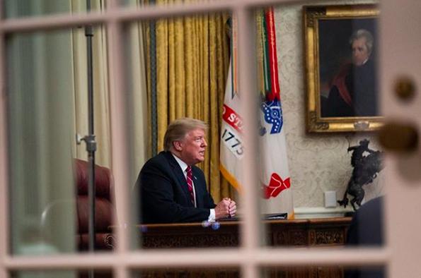 Trump nello Studio Ovale