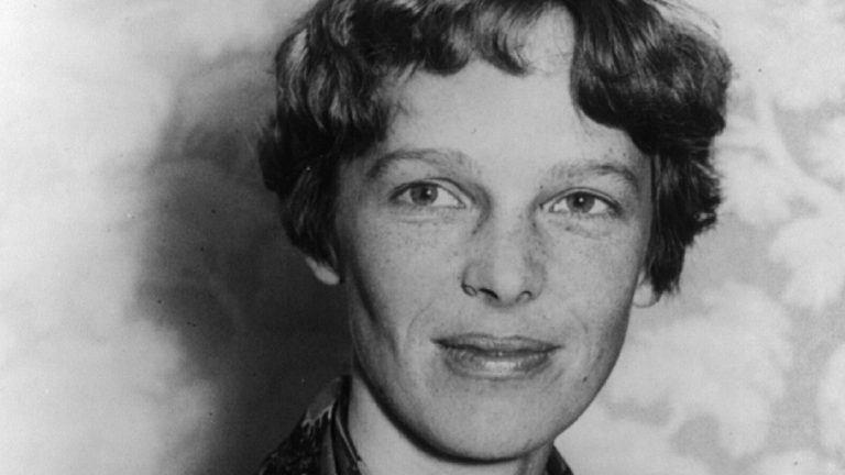 Amelia Earhart resti aereo