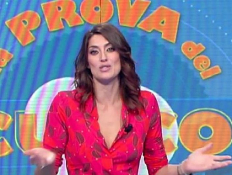 """Quanto guadagna Elisa Isoardi, conduttrice de """"La prova del cuoco"""""""