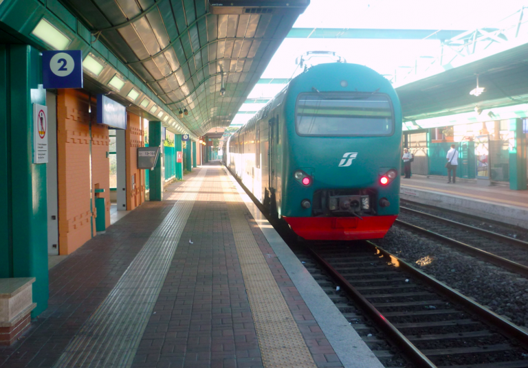incendio-binari-treno-ritardi