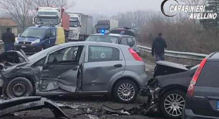 Incidente a Lioni, tre feriti
