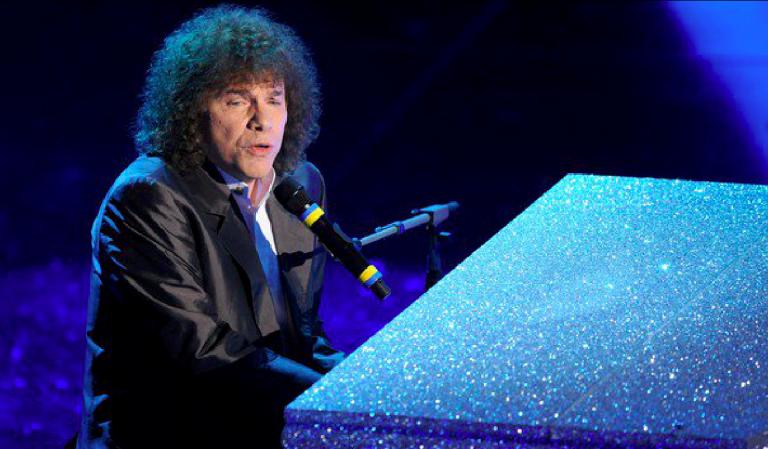 YOUTUBE Sanremo 2019, Riccardo Cocciante dimentica le parole di Margherita