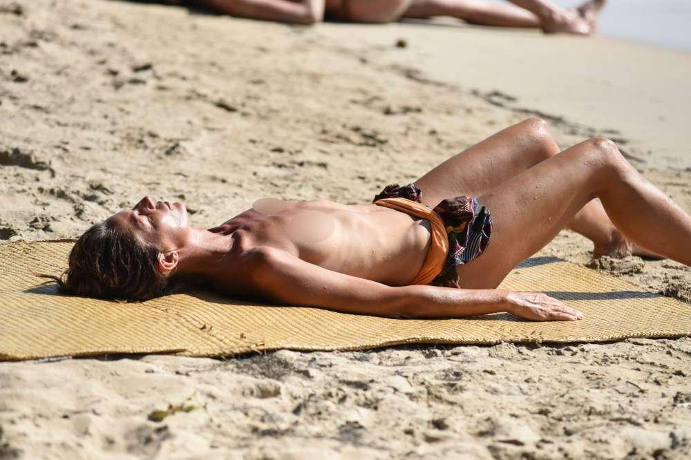 Marina La Rosa in topless