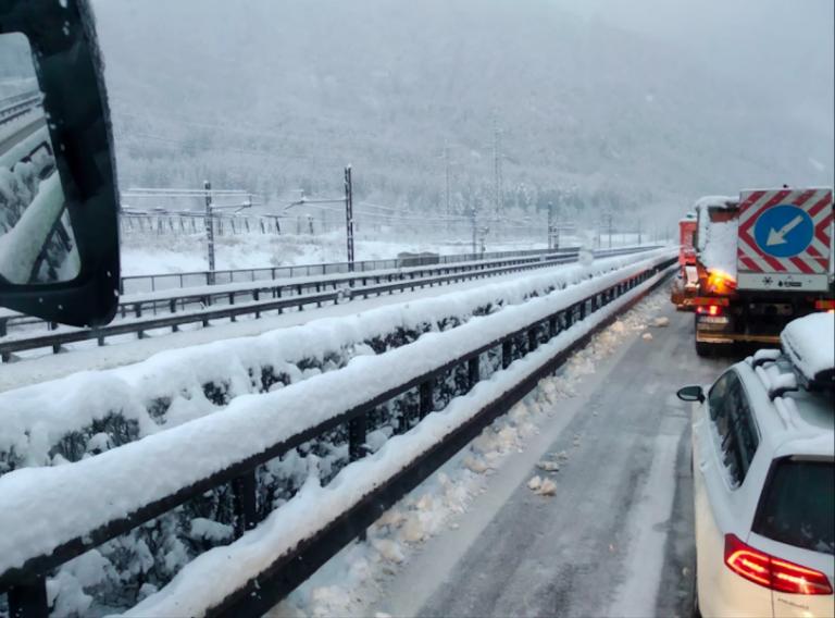 neve-autostrada-brennero-bloccata